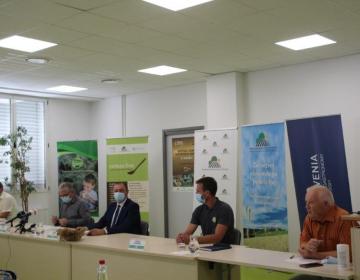 KGZS predstavila nov spletni portal slovenske hran...