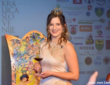 Ana Pavlin je nova Vinska kraljica Slovenije