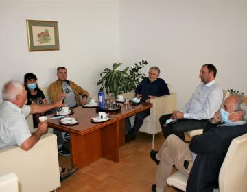 Od leve proti desni: Milan Husnjak, dr. Slavica Čolić, dr. Vedran Tomić, Roman Žveglič, Janez Pirc, Anton Jagodic