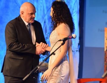 Novi vinski kraljici Meti Frangež je čestital tudi predsednik KGZS Cvetko Zupančič (Foto: Jure Zauneker)
