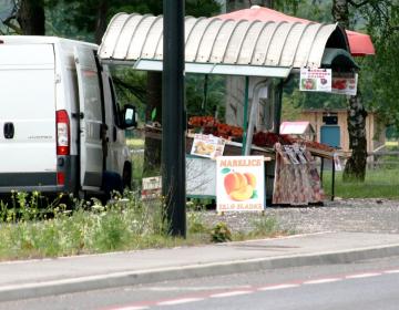 Trenutno so pri prodaji ob cestah potrošniki upravičeno sprašujejo o poreklu pridelkov.