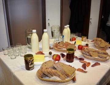 Vsak tretji petek v novembru je posvečen tradicionalnemu slovenskemu zajtrku