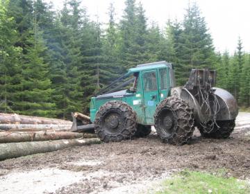 RAZPIS: za naložbe v opremo in mehanizacijo za spravilo lesa