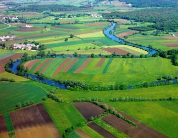 Zakup kmetijskih in gozdnih zemljišč
