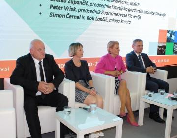 Na okrogli mizi se je predstavila tudi kandidatka za kmetijsko ministrico dr. Aleksandra Pivec