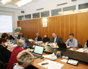 Upravni odbor potrdil uspešno delo zbornice